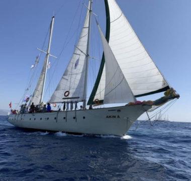Işık Kıyısı Tekne Konaklamalı Deniz Kanosu Turu